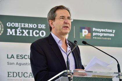 Esteban Moctezuma, titular de la SEP, indicó que habrá un curso para evaluar el nivel de los estudiantes de nivel básico (Foto: Cortesía Presidencia)