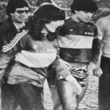 Otra de las fotos que compartió Verónica Castro en sus redes sociales de la época en que conoció a Diego Maradona (@vrocastroficial)