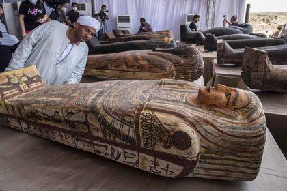 Uno de los sarcófagos presentado en octubre (Khaled DESOUKI / AFP)