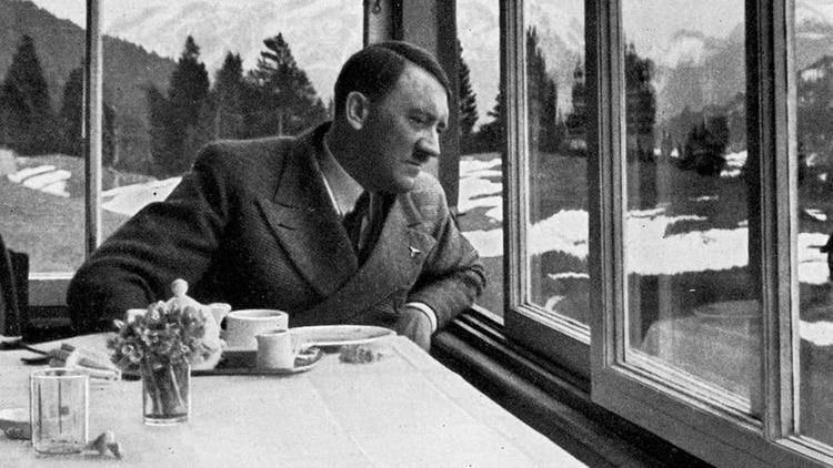 En submarino a La Argentina, recluido en la Antártida o en el lado oscuro de la luna: las teorías sobre la muerte de Adolf Hitler son decenas, pero todas fueron descartadas (Foto: Archivo)
