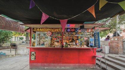 La imagen de un típico kiosco argentino ubicado en el Barrio Crisol Norte, Córdoba Capital