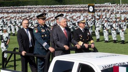 Aunque prometió un mando civil, el mandatario optó por uno militar cosechando un sinfín de críticas. (Foto: Presidencia de México)