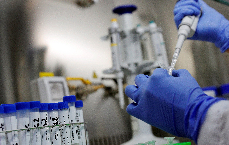 Los casos de reinfección dicen que no se puede confiar en la inmunidad adquirida por una infección natural para conferir inmunidad colectiva (Efe)