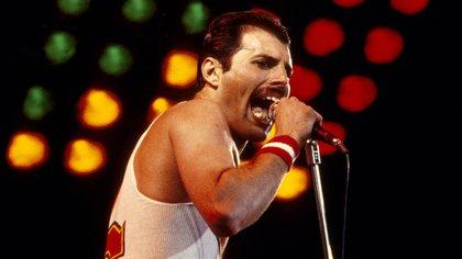 Mandatory Credit: Photo by Graham Wiltshire/Shutterstock (2181046c) Queen - Freddie Mercury in concert, the Milton Keynes Bowl, Britain Various