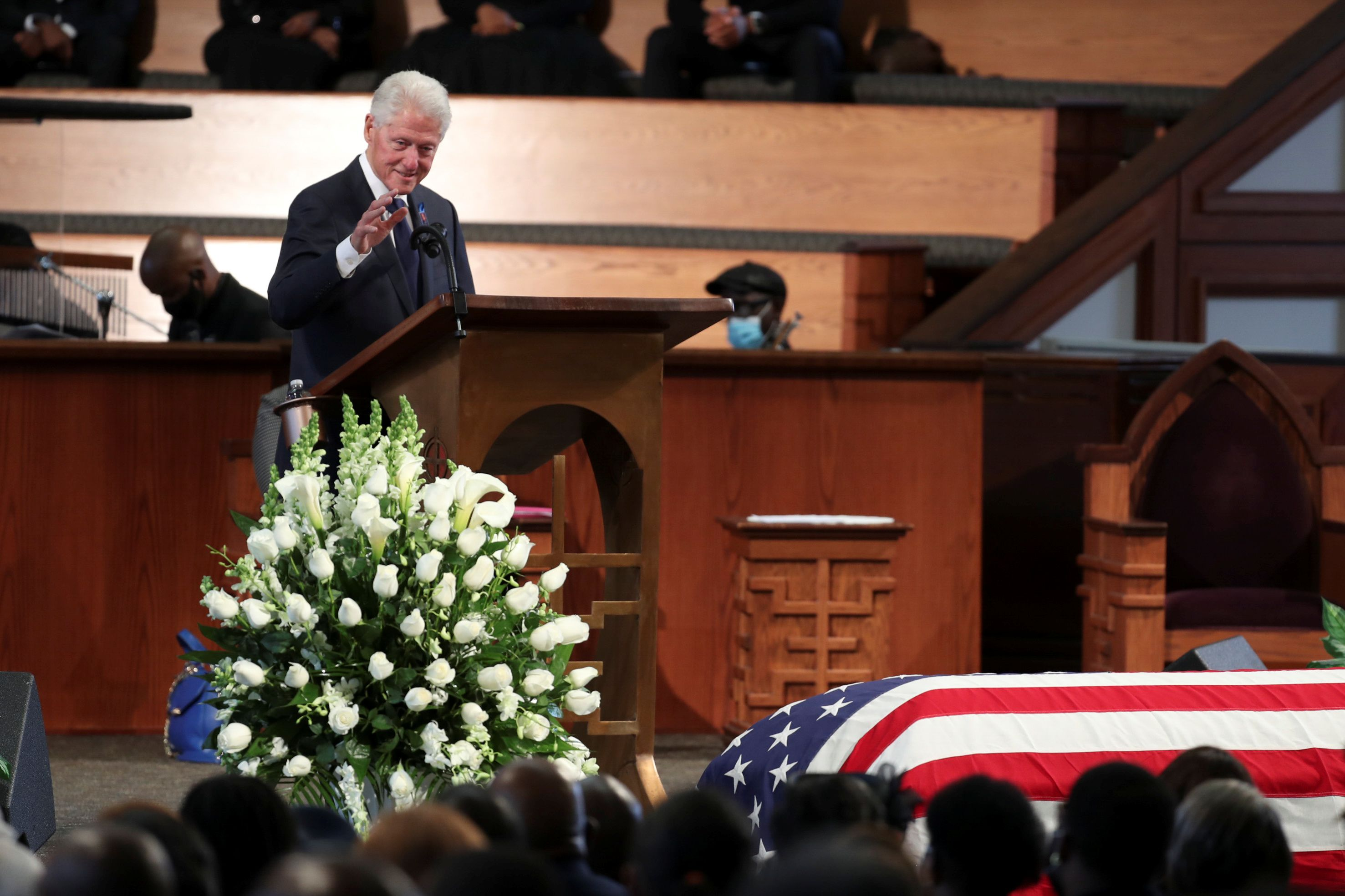 El ex presidente Bill Clinton también habló durante la ceremonia privada  (Alyssa Pointer/Pool via REUTERS)