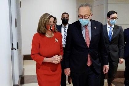 Nancy Pelosi y Chuck Schumer. Foto: REUTERS/Ken Cedeno