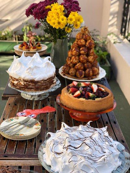 Una mesa dulce by Maru Botana