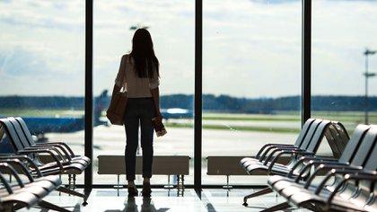 Las aerolíneas sobrevenden los vuelos (iStock)