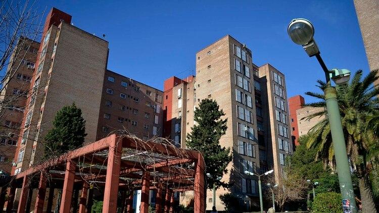 """Las torres en el barrio Samoré, el ex barrio del """"Pity"""" (Gustavo Gavotti)"""