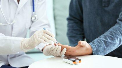 La diabetes, presente en el 33,8% de los casos de hospitalizados por COVID-19, es un factor importante de complicaciones, entre ellas las renales. (Shutterstock)