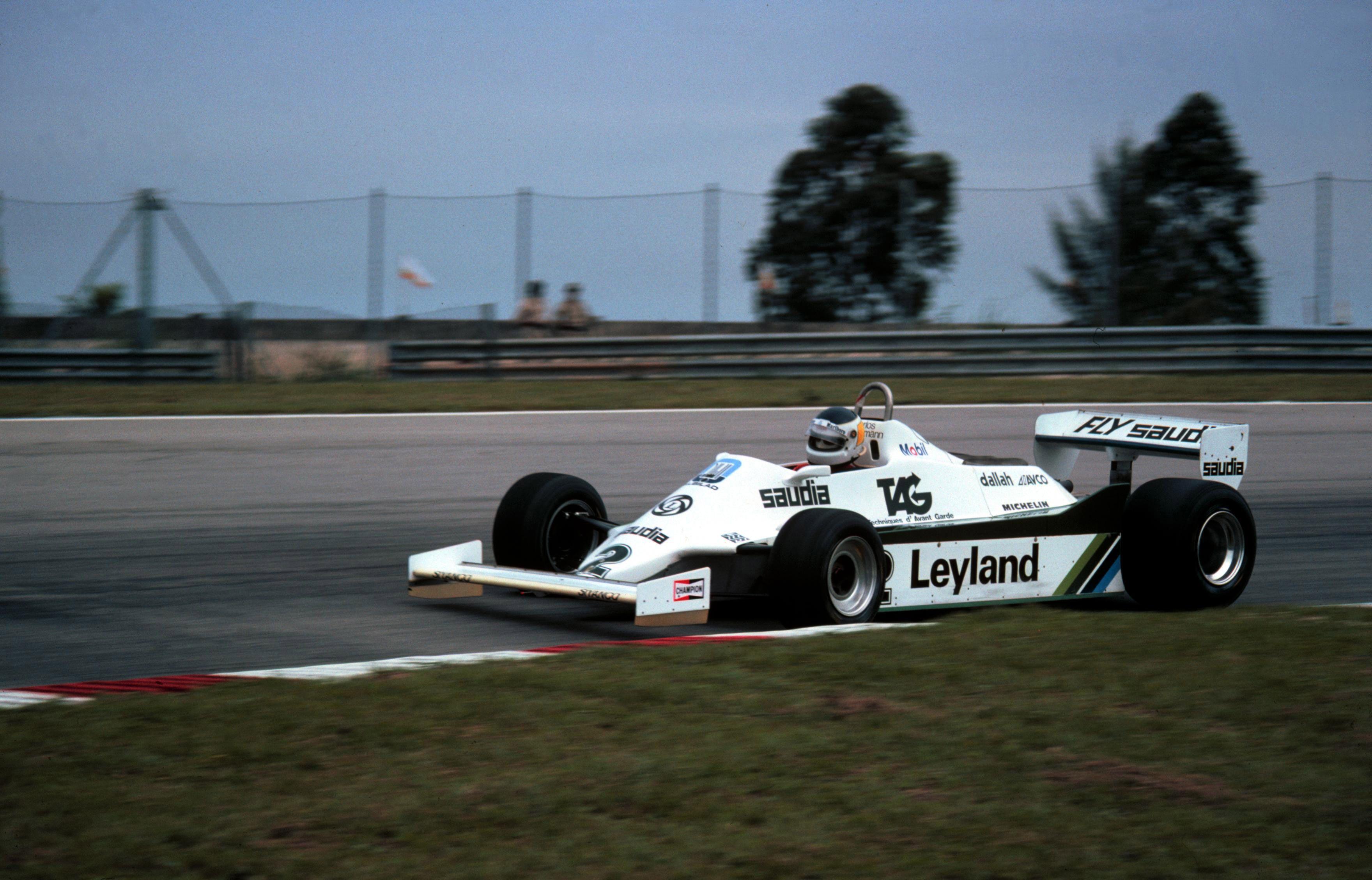 En 1981, el canal estatal transmitía el fútbol, pero también las carreras de Fórmula 1. Cuando corría Reutemann el fútbol, aunque fuera River-Boca se debía jugar a la mañana para que no se superpusieran los eventos.