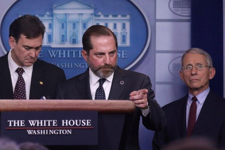 El secretario de Salud estadounidense, Alex Azar, al anunciar la medida. Foto: REUTERS/Leah Millis
