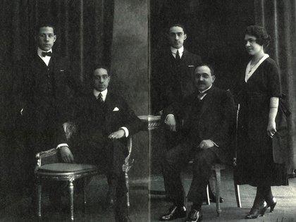 Emilio Poblet Diez rodeado de sus hijos Francisco, Emilio, Ricardo y Antonio (Archivo Familia Poblet)