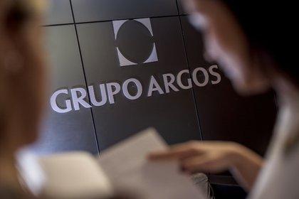 01/01/1970 Economía.- El conglomerado colombiano Grupo Argos reduce su beneficio neto un 97,7% en el tercer trimestre.  El conglomerado colombiano Grupo Argos registró un beneficio neto atribuido de 6.856 millones de pesos colombianos (1,6 millones de euros) en el tercer trimestre del año, lo que supone un recorte del 97,7% en comparación con el beneficio de 301.401 millones de pesos (70 millones de euros) anotado durante el mismo periodo del año anterior, según detalla la compañía en sus cuentas trimestrales.  SUDAMÉRICA COLOMBIA ECONOMIA DESDE ESPAÑA GRUPO ARGOS