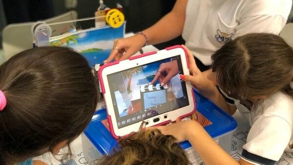 Los niños crean películas con robots (Fundación Telefónica)