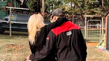 Pamela Anderson con  Dan Hayhurst