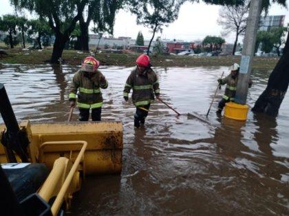 (Foto: Coordinación de Protección Civil y Bomberos de Metepec, vía Twitter @PcybMetepec)