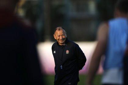 Eddie Jones, el actual superior de Mitchell en la selección inglesa, quien reveló haber visto una cámara filmando la sesión de entrenamiento del XV de la Rosa (AP)