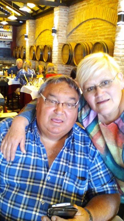 Martillo Roldán y su esposa Mary disfrutando de sus días ya alejado del boxeo