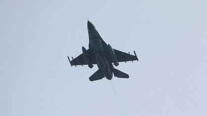FILE PHOTO: A Turkish F-16 fighter jet takes off from Incirlik airbase in the southern city of Adana, Turkey, July 27, 2015.   REUTERS/Murad Sezer/File Photo