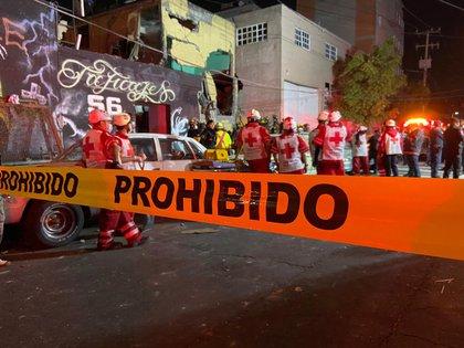 Una explosión en la alcaldía de Venustiano Carranza deja dos muertos y 19 heridos (Foto: Twitter @julio_morenori)