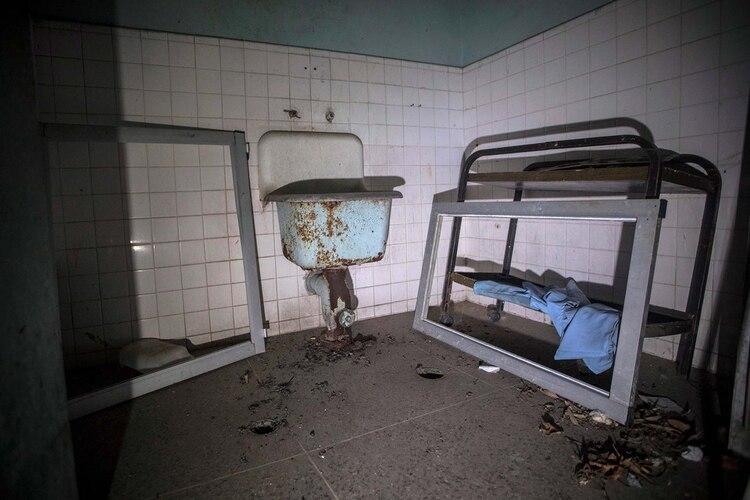 El cuarto de limpieza de uno de los patios donde están alojados pacientes del Hospital Psiquiátrico de Caracas ubicado en Lídice.