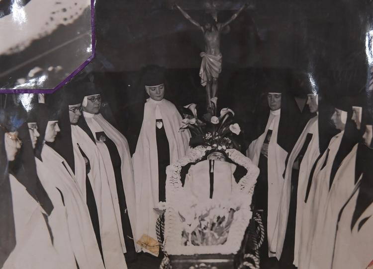 El velatorio de la Sierva de Dios Madre Isabel Fernández, en (Foto: Maximiliano Luna)