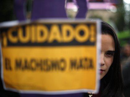 El problema de la violencia contra la mujer no se ha detenido ni en la cuarentena por COVID-19  (Foto: EFE / Archivo)