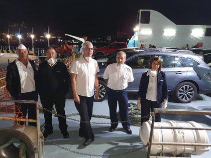 Personal de la tripulación colaboró en la contención de los pasajeros