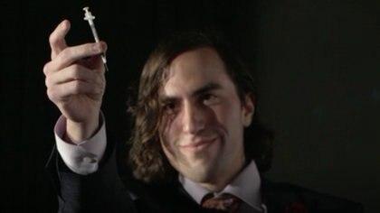 Aaron Traywick tenía 28 años y había experimentado en sí mismo una terapia genética con el virus del herpes (Captura de video de Gizmodo)