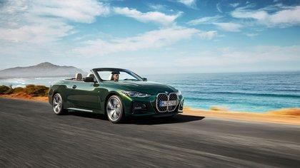 Este convertible de BMW es el vehículo más llamativo de la serie (BMW)