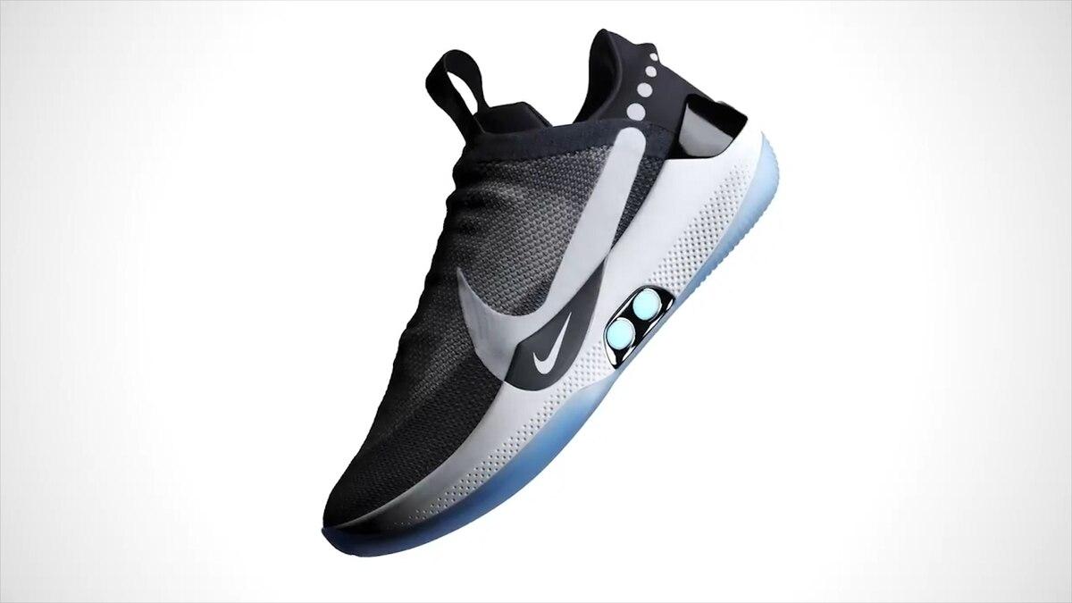 check out aeec0 6ad00 Nike presentó sus nuevas zapatillas que se ajustan automáticamente y se  controlan desde el celular - Infobae