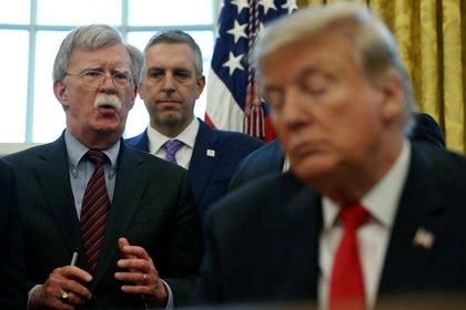 John Bolton es uno de los personajes que la oposición busca interrogar