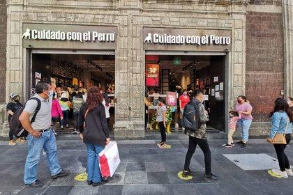 Piden cambiar el horario de cierre de los establecimientos del centro histórico.  (Foto: Cuartoscuro)