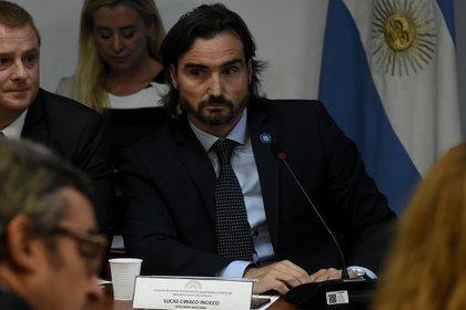 El diputado Incicco (PRO), presidente de la Bicameral, buscó mantener el orden