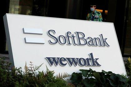 Softbank, el banco de inversión japonés al que Neumann convenció de invertir en la empresa, todavía la sostiene, ya sin el glamour de su fundador    REUTERS/Issei Kato
