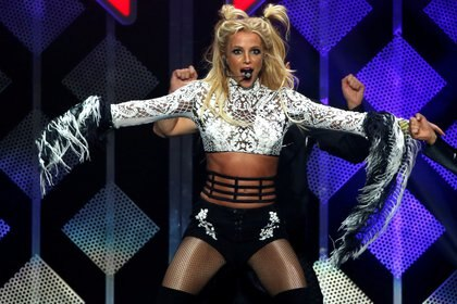FILE PHOTO: Britney Spears performs at iHeartRadio Jingle Ball concert at Staples Center in Los Angeles, California U.S., December 2, 2016.