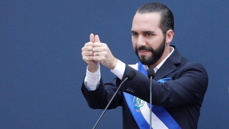 Bukele prometió depurar la política salvadoreña, pero sus primeros días como presidente estuvieron repletos de controversias (REUTERS/Jose Cabezas)