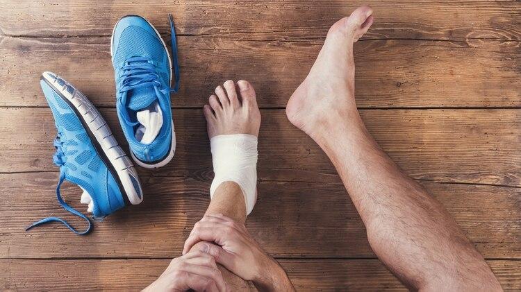 La recomendación es interrumpir la salida a correr durante un tiempo, hasta que remita el dolor (Getty)