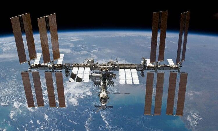 Foto de archivo: Vista de la Estación Espacial Internacional (ISS) (Crédito: NASA)