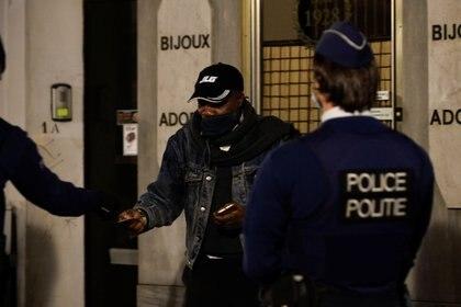 La policía belga realizó un procedimiento y se encontró con diplomáticos en medio de una fiesta sexual (Reuters/ Johanna Geron)
