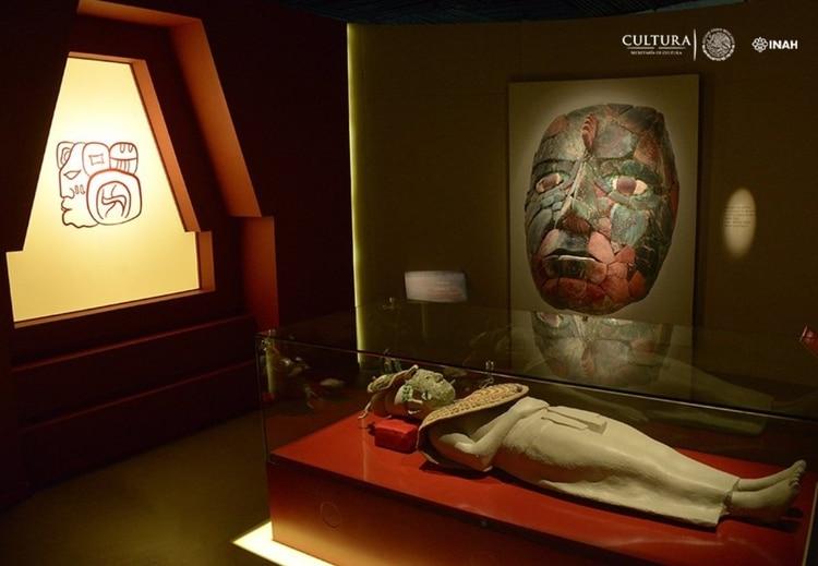 La mujer de la realeza maya se encontró sumida en un sueño sin fin, rodeada de 700 piezas de jade (Foto: Twitter@dprieto_)