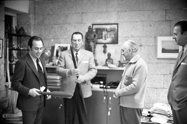 Spadone junto a Perón, López Rega y Milo Bogetich (Archivo personal de Carlos Spadone)