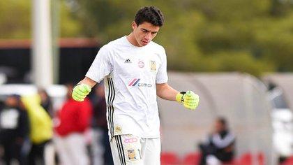 Carlos tiene formación en el equipo sub-15 de Atlas de Guadalajara (Foto: Especial)