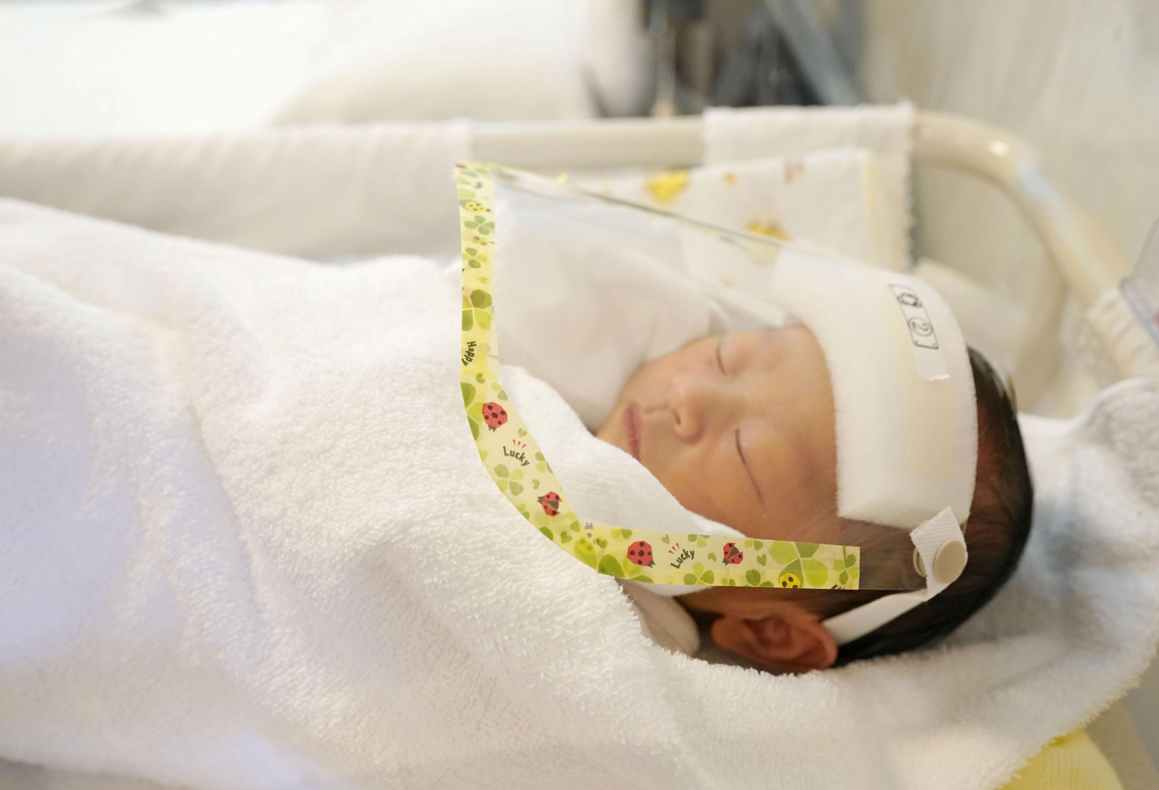 La capacidad de los niños para neutralizar el virus también podría estar relacionada con el hecho de que tienen una fuerte respuesta inmune innata desde el nacimiento (REUTERS)