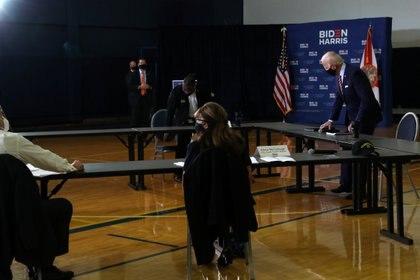 Biden, reunido con veteranos en Tampa (Reuters)