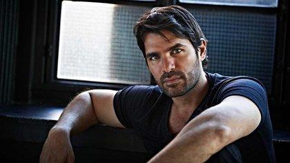 El actor cambió radicalmente su estilo de vida cuando se vinculó fuertemente con la religión católica (Foto: Instagram @eduardoverastegui)