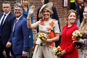 """Máxima cumple 50 años: los secretos, lágrimas y alegrías de la """"joven distinta"""" que llegó a reina de Holanda"""