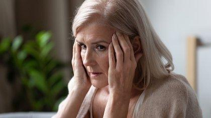 Otras razones relacionadas con el trastorno de la memoria están directamente relacionadas con la falta de interacción social y el historial de enfermedades previas, como el Alzheimer.