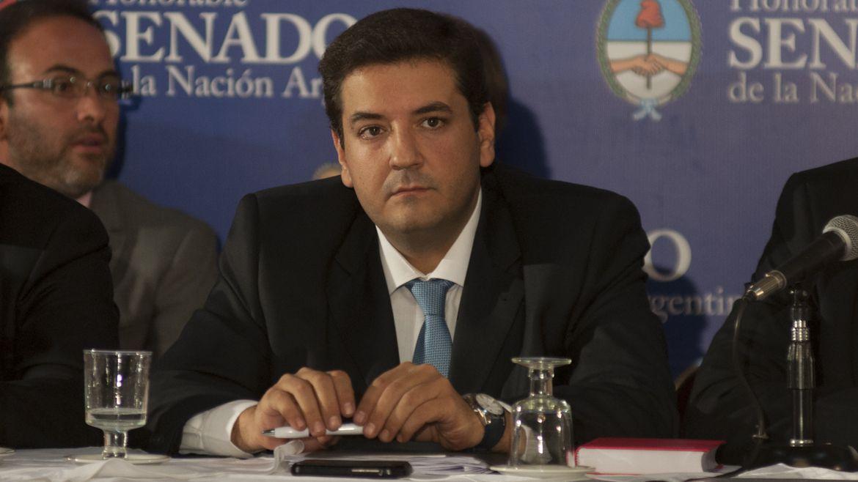Juan Martín Mena (Adrián Escandar)